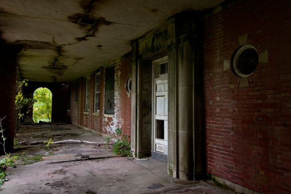 Photo of the abandoned Manteno State Hospital in Manteno, IL
