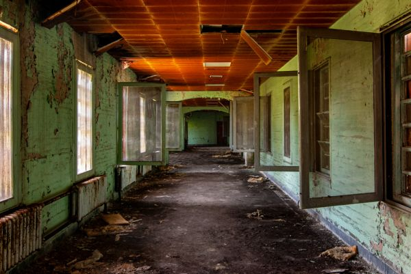 Photo of the abandoned Metropolitan State Hospital in Waltham, MA