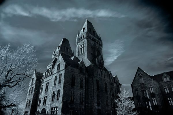 Photo of the abandoned Buffalo State Hospital in Buffalo, NY