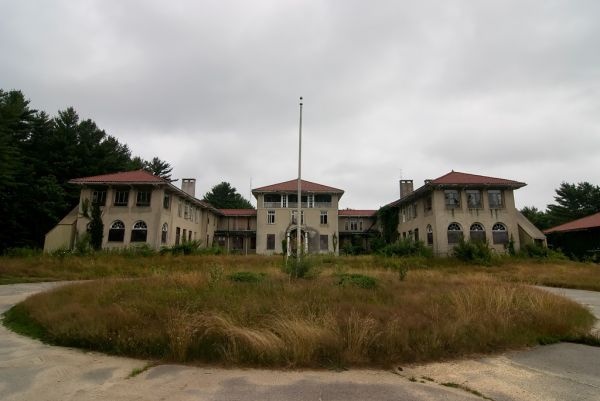Photo of the abandoned Plymouth County Hospital in Hanson, MA