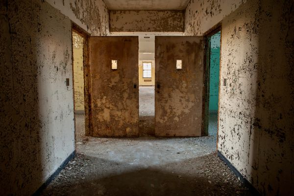Photo of the abandoned Northam Manor Psychiatric Hospital an undisclosed place in United States of America