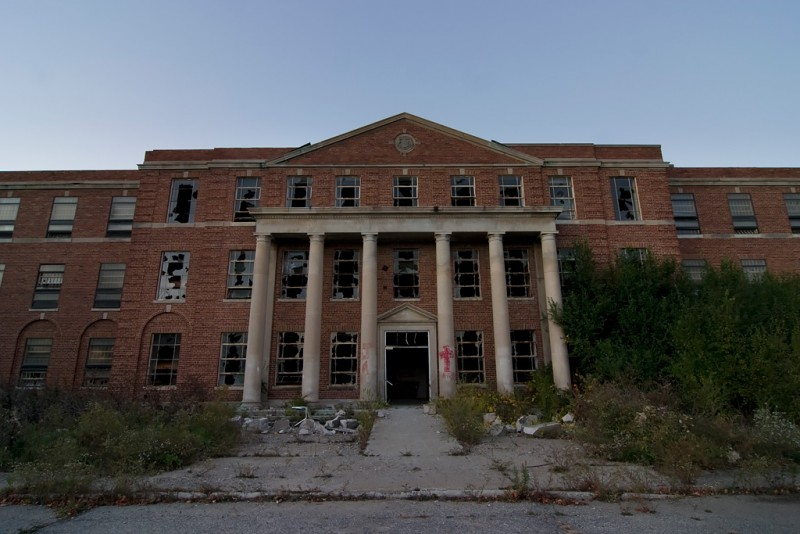 Photo of the abandoned Ypsilanti State Hospital in Ypsilanti, MI