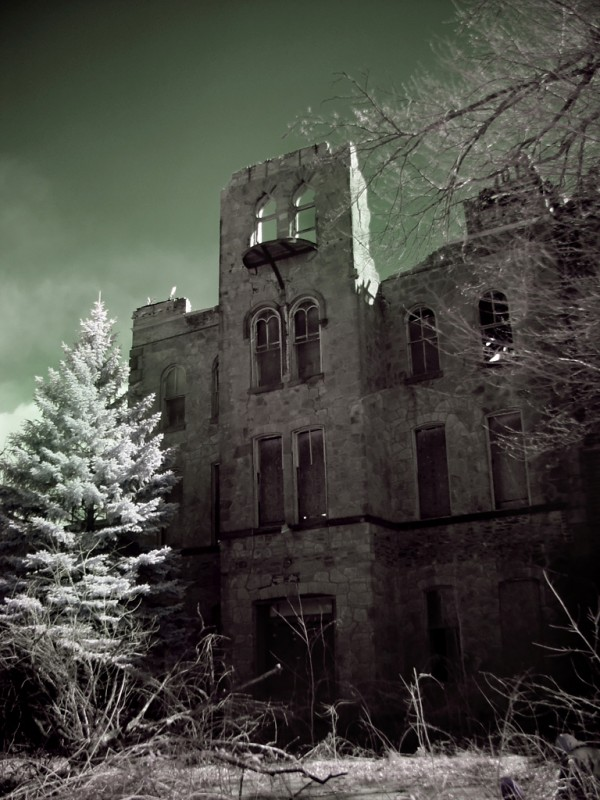 Photo of the abandoned Philadelphia Jewish Foster Home and Orphan Asylum in Philadelphia, PA