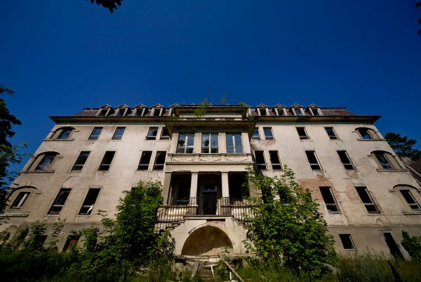 Photo of the abandoned Erich Wagner Kindersanatorium an undisclosed place in Germany