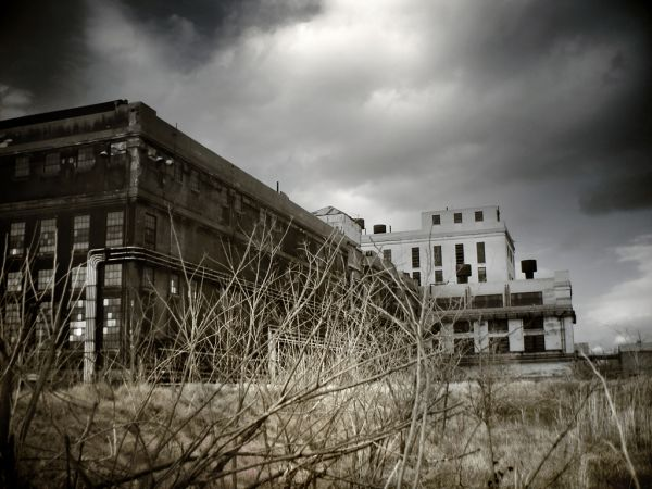 Photo of the abandoned Westport Generating Station in Baltimore, MD